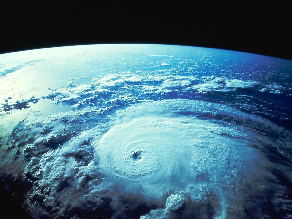 宇宙から見たハリケーン 壁紙 - Hurricane WALLPAPER