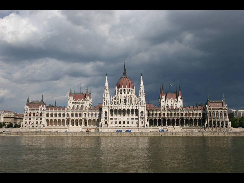 ブダペスト 国会議事堂(ハンガリー) 壁紙 - Budapest, Hungary WALLPAPER