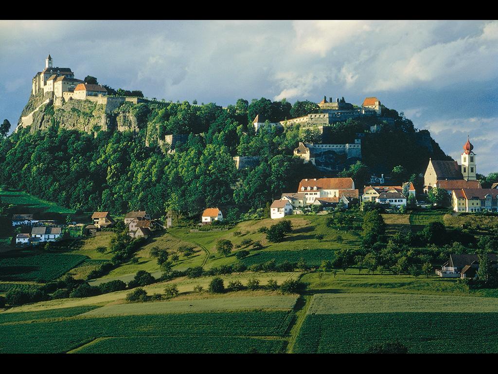 リーガースブルク(オーストリア) 壁紙 - Riegersburg, Austria WALLPAPER